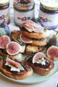 Fig & Ricotta Bruschetta makes a simple yet delicious appetizer. Super quick and incredibly easy to make that's really impressive with a sweet and salty combination that will impress your guests!