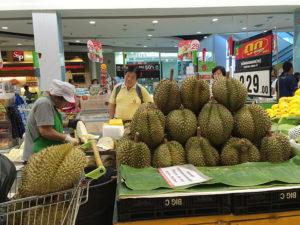Fresh durian in Bangkok | www.brunchnbites.com
