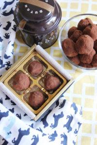 Mexican Hot Chocolate Truffles | www.brunchnbites.com