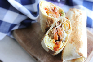 freezer-friendly breakfast burrito | www.brunchnbites.com