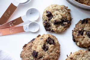 These wheat germ chocolate chip cookies are filled with oats, wheat germ, and chocolate. Perfect for an easy breakfast on the go or as an afternoon energy-boosting snack.And they taste fantastic!