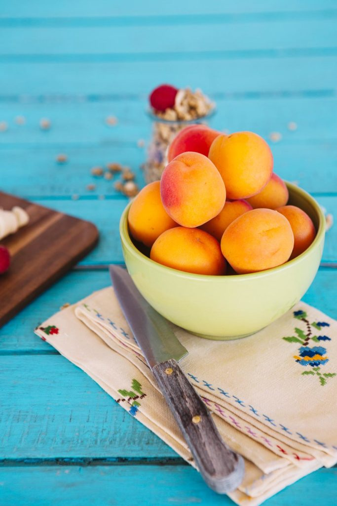 Blueberry Peach Smoothie or Blueberry Peach Slushies.No matter how you call this, it is a perfect way to beat the summer heat! This delicious blueberry and peach smoothie is a pretty, refreshing and energizing way to start the day!
