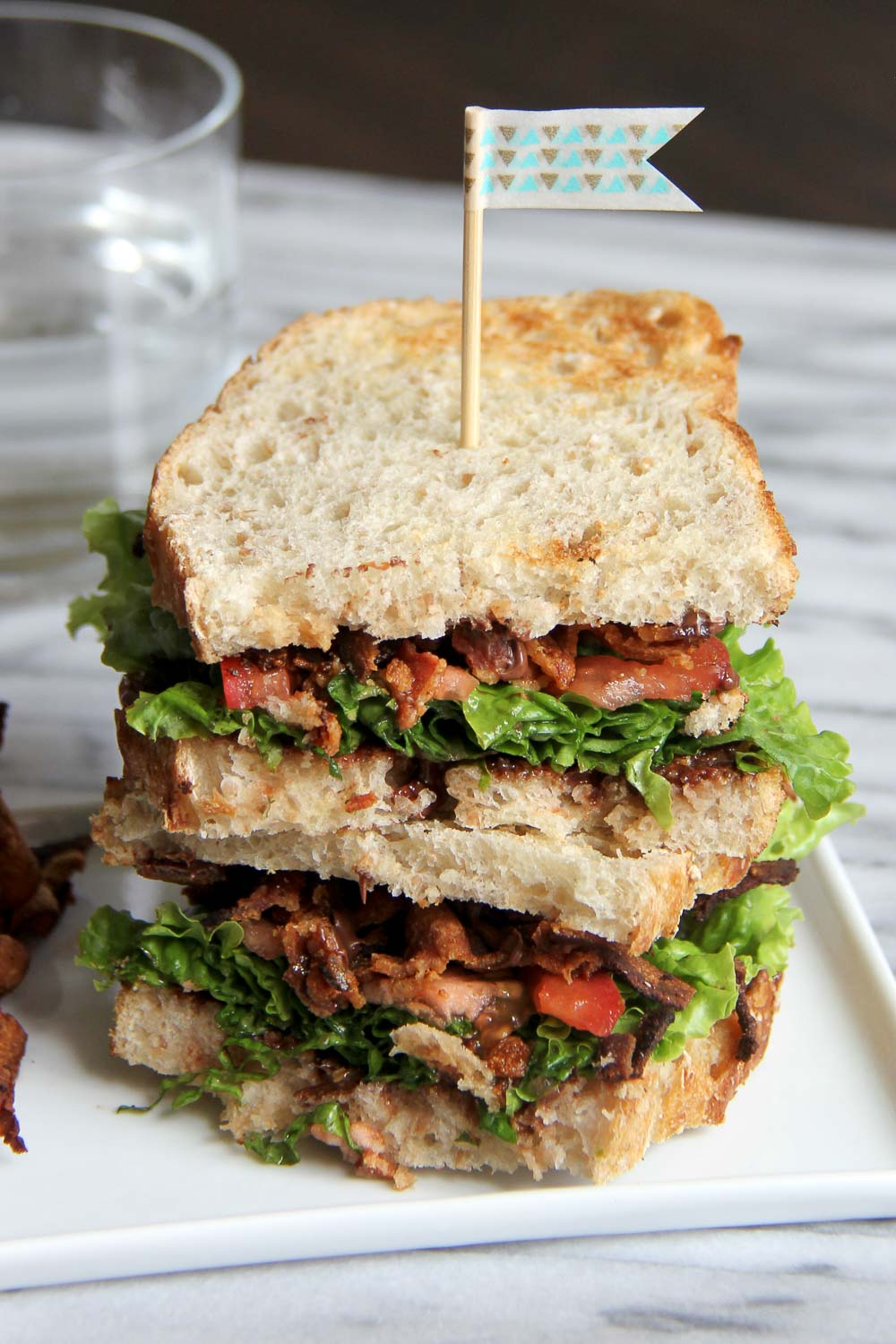 Bet you've never had Nutella BLT Sandwich. The combination of sweet and savory brings this BLT sandwich to another level - so simple to make and hits the spot every time!