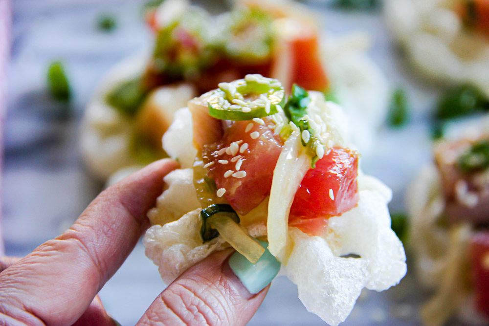 Create a little taste of aloha in your kitchen! These Tuna Poke Mochi Waffles make a fun appetizer - delicious, easy, super nutritious and so refreshing.