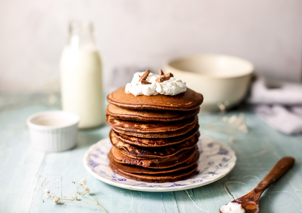 A super easy chocolate pancake recipe written with beginner cooks in mind! And don't forget to check more brunch ideas on the blog.