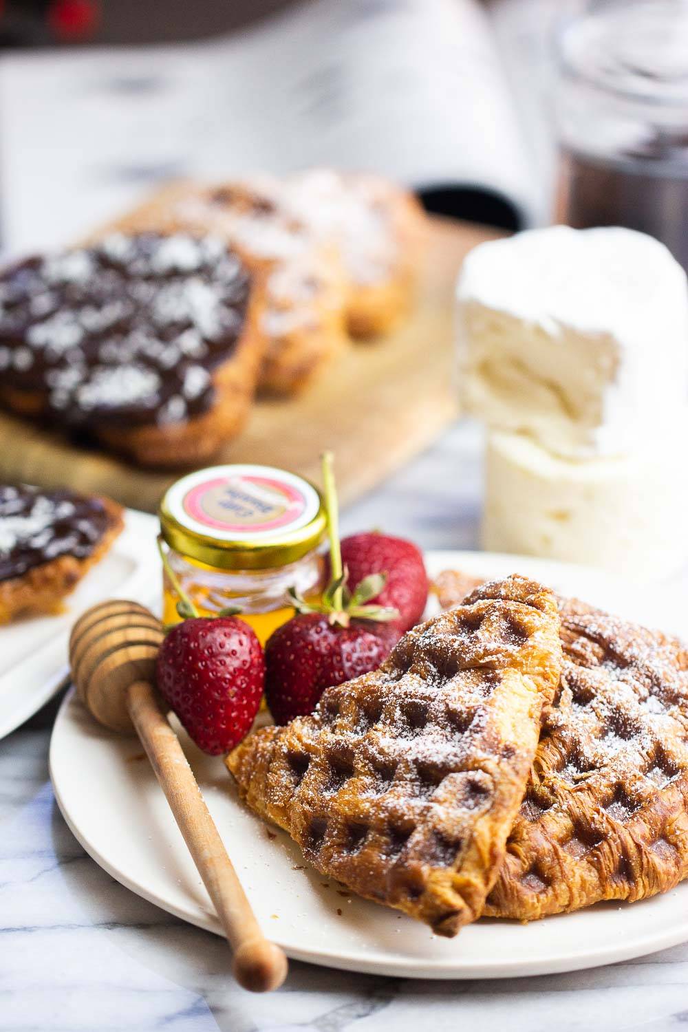 Do you like croissants? Do you like waffles? Then you need these easy croissant waffles. This croissant sandwich takes leftover croissants 10 times better. Plus, they're freezer-friendly, too!